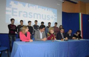 Firmato Protocollo d'intesa tra Università Mediterranea e IIS R. Piria di Rosarno e Laureana di Borrello– Progetto Erasmus.