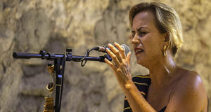 La cantastorie calabrese Francesca Prestia a Mantova per la XXII Giornata della Memoria in ricordo delle vittime delle mafia