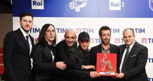 A Daniele Silvestri il premio della critica realizzato dal maestro Michele Affidato. Si chiude la settimana sanremese del Maestro orafo, impegnato tra arte e sociale
